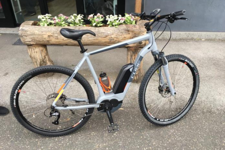 Vendo Ebike Cube Cross