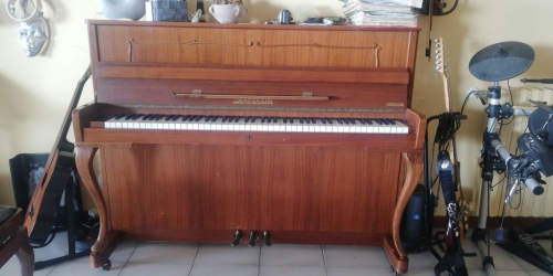 PIANOFORTE MARCA ZIMMERMANN